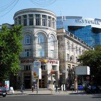 Здание Кишиневского главпочтамта :: Сашка Кошкин