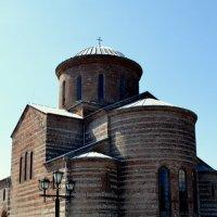 Пицунда,храм Х века. :: Лариса Красноперова
