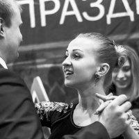 инструкторша     а улыбаться надо вот так :: Арсений Корицкий