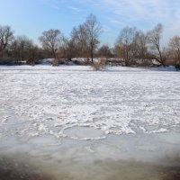 Таяние льда на реке :: Ксения Соварцева