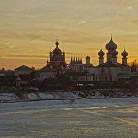 Успенский монастырь на закате :: Сергей Кочнев