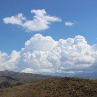 белые облака :: Денис В.
