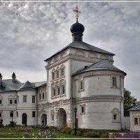 Надвратная церковь Трифонова монастыря. Вятка. :: Владимир Белозеров