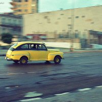 Yellow car in Havana :: Arman S