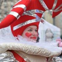 По душе, не по подсказке перемериваю маски... все подряд :: Ирина Данилова