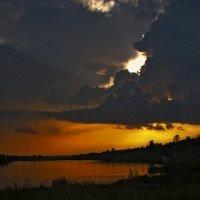 июльский вечер перед грозой :: Виктор Вуколов