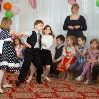 Потому что на 10 девчонок... :))) :: Дарья Казбанова