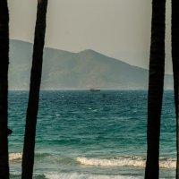 Ветер по морю гуляет и кораблик подгоняет... :: Жанна Мальцева