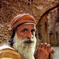 Гость из Библии :: Ron Levi