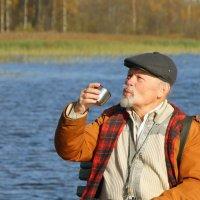 Чаепитие на озере :: Валерий Талашов
