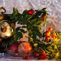 шиповник и яблоки :: Наталья Василькова
