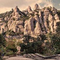 В горах Монсеррат :: Лидия Цапко