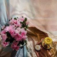 Натюрморт с азалией :: Natalia Fedina