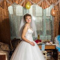 Портрет невесты в интерьере малогабаритной квартиры :: Михаил Тарасов