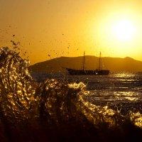 Смесь солнца и волны :: Геннадий Валеев