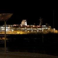 Портовый город ночью II :: Александр Павленко