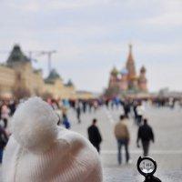 Гляжу на знакомую площадь, как будто чего-то ищу... :: Ирина Данилова