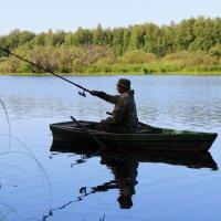 Утро на озере :: Валерий Бочкарев