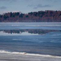Волга весенняя, Волга туманная ... :: Олег Субботин