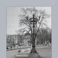 фонарь на привокзальной площади :: Арсений Корицкий