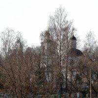 Старинная действующая церковь. :: Михаил Столяров