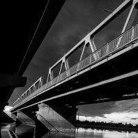 под мостом :: Виталий Исаев