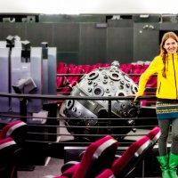 Принцесса Лея Органа-Скайуокер и R2D3 :: Игорь Лариков