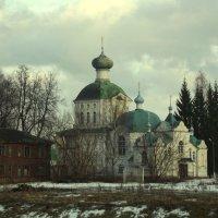 церковь Тихвинской Божей Мактери (крылечко :: Сергей Кочнев