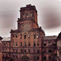 Заброшенные цеха завода Красный Треугольник. :: Валерий Стогов