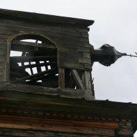 Ещё одна разрушенная церковь :: Алексей Чирков