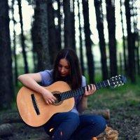"""""""Изгиб гитары желтой,ты обнимаешь нежно."""" :: Veronika Gorina"""