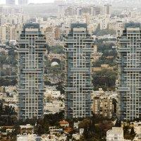 Вид на Тель-Авив с высоты 187 метров (49 этаж). Небоскребы, которые пониже :: Zeev Makovoz
