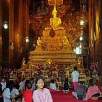 Таиланд. Бангкок. Служба в храме :: Владимир Шибинский