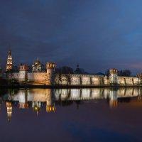 6:20 утра 30 марта 2014 г. Новодевичий монастырь. :: Роман Полианчик