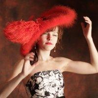 красная шляпка :: Наталья Василькова