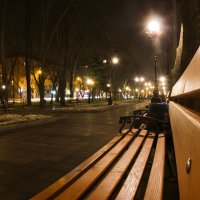 Одинокая скамеечка :: Александр Гринченко