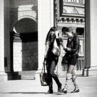 Погуляем с подружкой и поговорим... :: Сергей Яценко