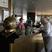 в корабельном баре :: Лидия кутузова