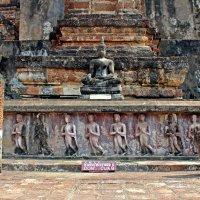 Таиланд. Сукхотай. Развалины древнего храма :: Владимир Шибинский
