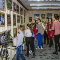 На выставке :: Александр Земляной