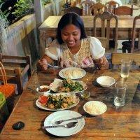 Таиланд. Сукхотай. Радость от предстоящей вкусной еды :: Владимир Шибинский