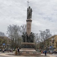 Памятник Тысячелетия Бреста :: Сергей Хомич