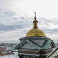 На колоннаде Исаакиевского собора :: Владимир Горубин