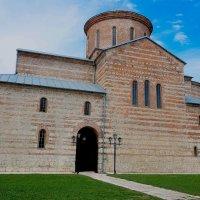Пицунда. Византийский храм IX века, Пицундский органный зал. :: Сергей Карелин