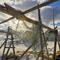 Ловят солнце старые сети.. :: Ирэна Мазакина