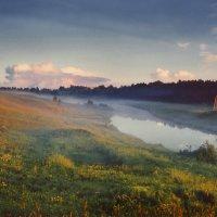 Река туманится и луг поит туманом :: Валерий Талашов
