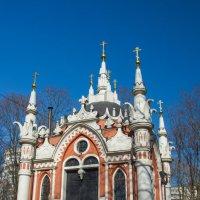 Девятиглавая церковь на Преображенском кладбище. :: Лариса *