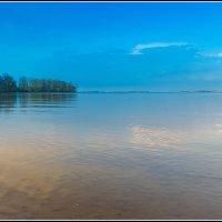 Между небом и рекой :: Denis Aksenov