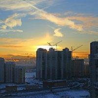 """Морозное утро.""""Птицы"""" над городом! :: Игорь ГУРОВ"""