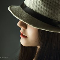 Девушка в шляпе :: Дмитрий Бегма